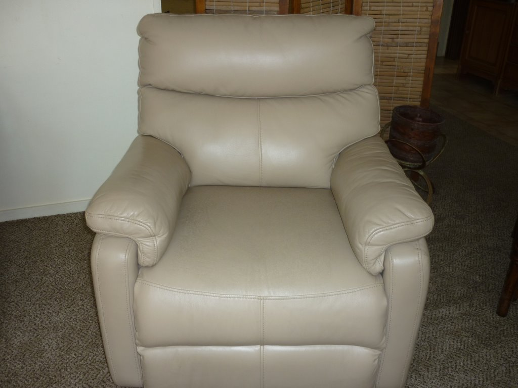 Name:  mould on arm chair 004 (2).jpg Views: 25 Size:  87.8 KB