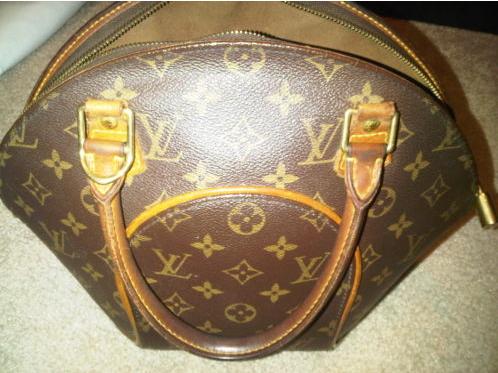 Name:  LV Bag.png Views: 5902 Size:  324.1 KB