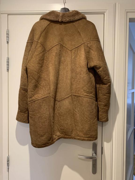 Name:  Sheepskin Jacket - Back.jpg Views: 20 Size:  51.6 KB